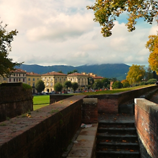 Old City Walk / Lucca